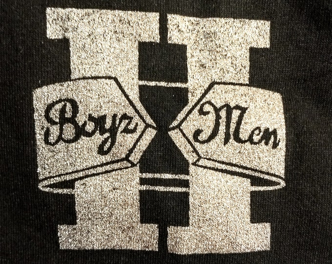 "Boyz II Men T Crew Shirt! Authentic Vintage 1995! Boyz II Men Tour In Support To Number #1 Selling Motown ""II"" Album! Like New! Never Worn!"