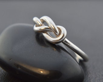 Sterling Silver Infinity Knot Ring, Silver Wire Ring, Infinity Knot Ring, Promise Ring, Friendship Ring, 925 Sterling Silver