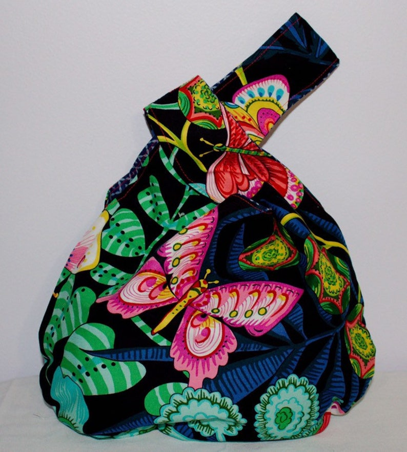 Japanese Knot bagknitting  Black with pink butterflies