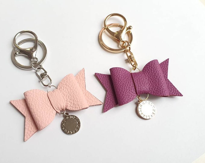 Handmade Leather Keychain Bow in 3 different colors...