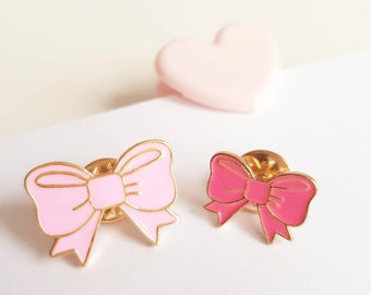 Bow Enamel-Pins in pink and light pink