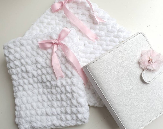 Beautiful white Planner Pouch in 2 sizes