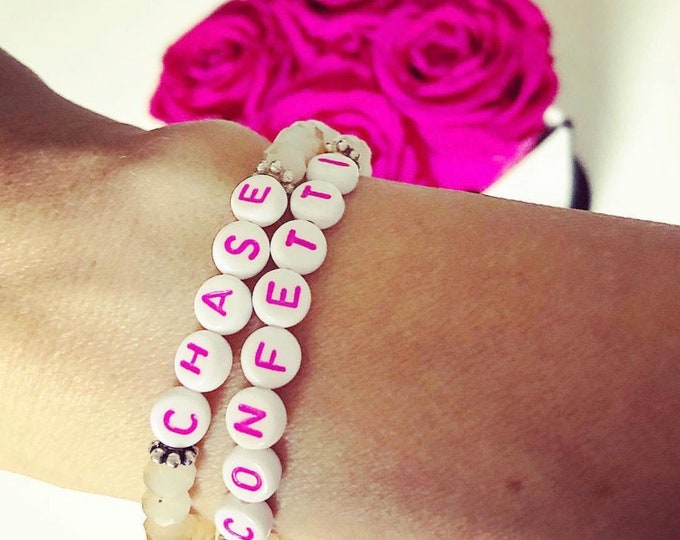 "Bracelet with two individual names made by ""KatsConfettiland"""