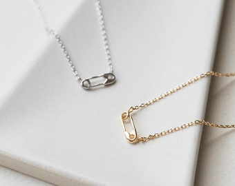 Tiny Paper Clip Adorable Necklace, Cute Layering Delicate Necklace, Dainty Choker, Gold FIlled 14k Necklace, Mom Bridesmaid Girlfriend Gift