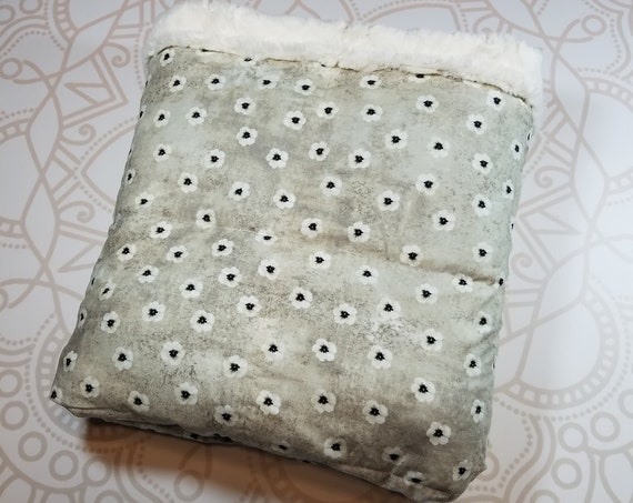 READY to SHIP, 40x50, 15 pound, Weighted Blanket, 40x50, Cream Flowers, Ivory Lattice Minky Back, Sensory Blanket, Calming Blanket,