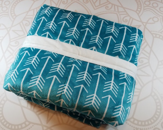 READY to SHIP, 40x70-15 Pounds, Weighted Blanket, Teal Arrow Minky, White Woven Cotton Backing, Sensory Blanket, Calming Blanket,