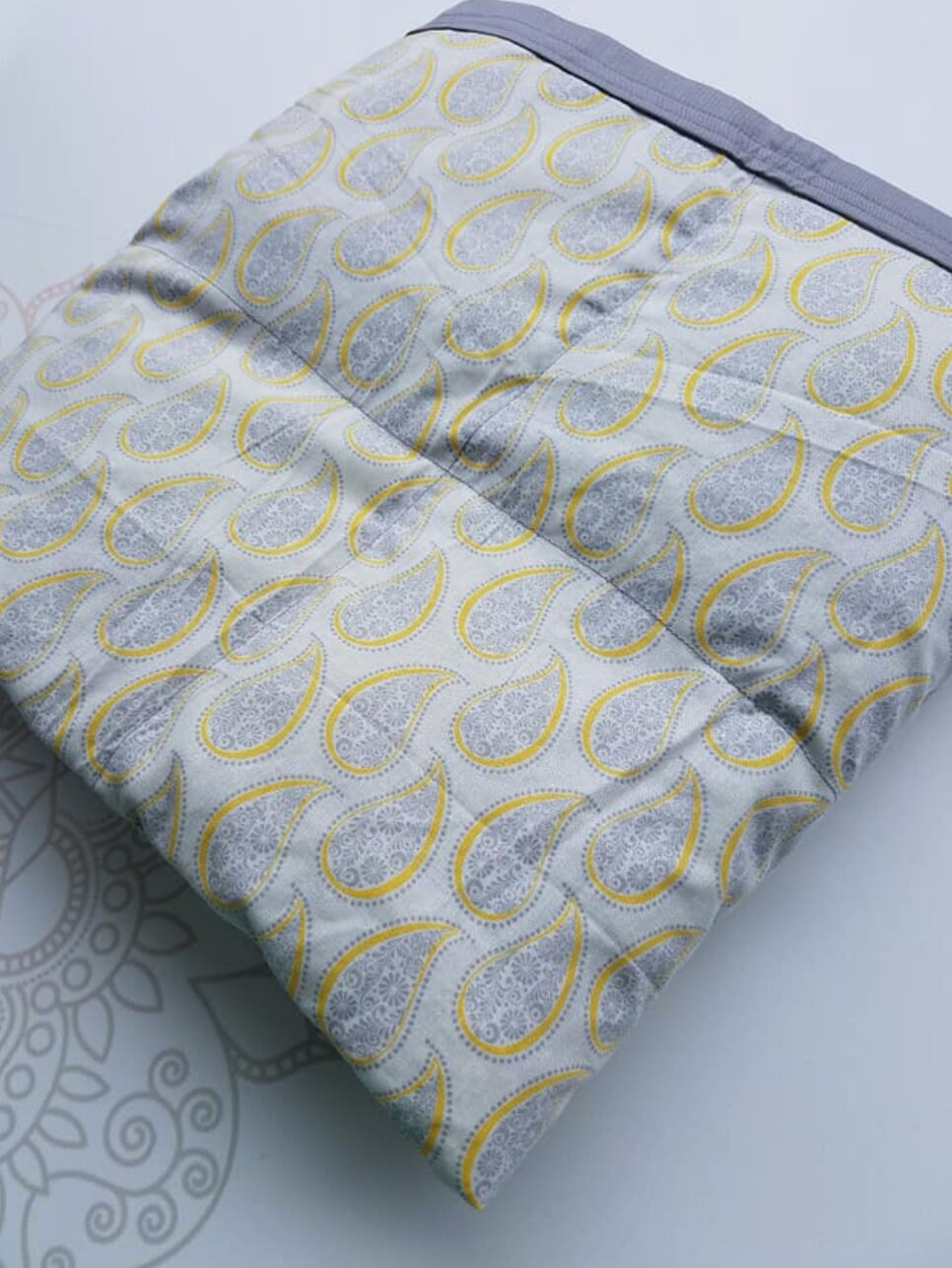 Ready To Ship Weighted Blanket 40x80 15 Pounds Yellow