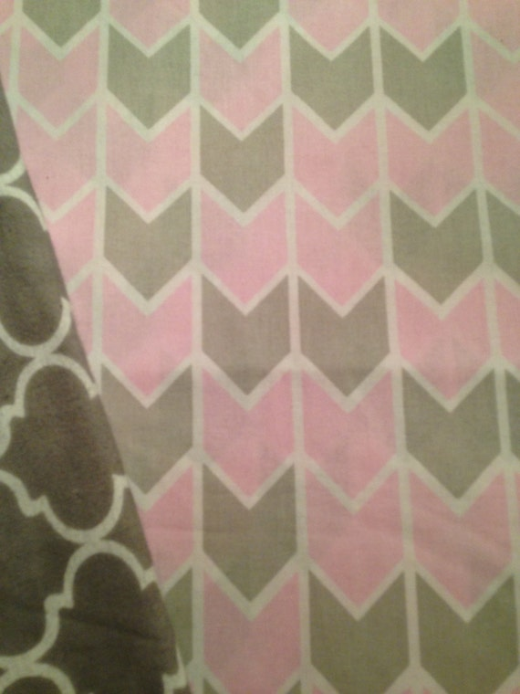 Washable Weighted Pink and Gray Arrows Lap Pad/Small Blanket/Travel Weighted Blanket 3 pounds.  14.5x22 Ready to Ship