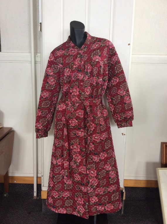 1960s floral quilted  Dressing Gown, Lounge Wear,