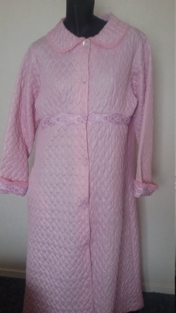 1960's  Long Quilted Brunch Coat Dressing Gown Rob