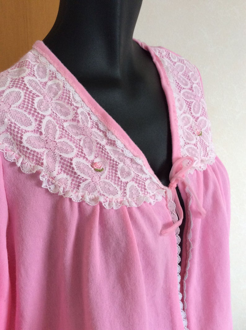 36 Bust  Made in  New Zealand Bing Harris 1970/'s Lady Arrow bed jacket BRI Nylon and Lace pale pink  long sleeves