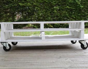 Table on wheels pallet wood - handmade