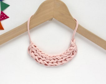 Baby pink T-shirt yarn necklace - Gift for her - Pink Statement necklace - Baby pink necklace - Knitted necklace - Pink jewellery