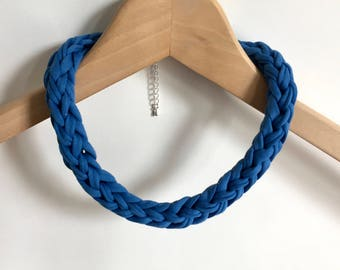 Blue T-shirt yarn necklace - Blue choker - Blue crochet necklace - festival jewellery - Gift for her - Blue accessories
