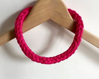 Bright pink T-shirt yarn necklace - pink chocker necklace - pink chunky necklace - pink crochet necklace - pink jewellery - pink jewelry