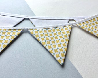 Mini bunting - Yellow print bunting - Yellow and white bunting - Mini yellow banner -  yellow pennant banner