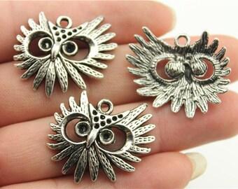 4 Owl Head Charms, Antique Silver Tone (1E-94)
