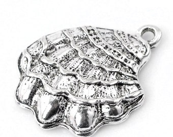 8  Shell Charms, Antique Silver Tone (1L-97)