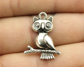 6 Owl Charms, Antique Silver Tone (1J-176)