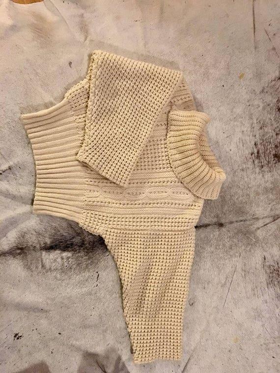 Perfect cosy knit Aran wool jumper/ sweater - image 3