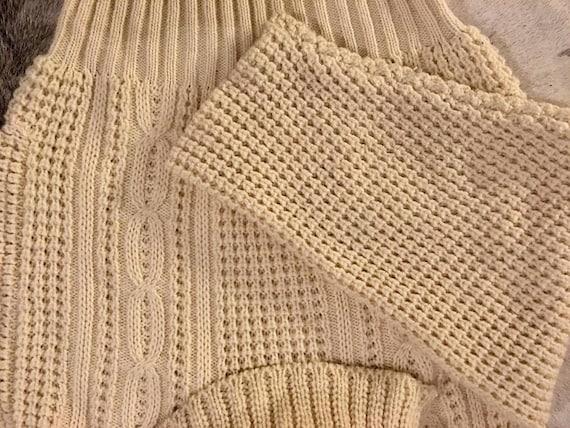 Perfect cosy knit Aran wool jumper/ sweater - image 4
