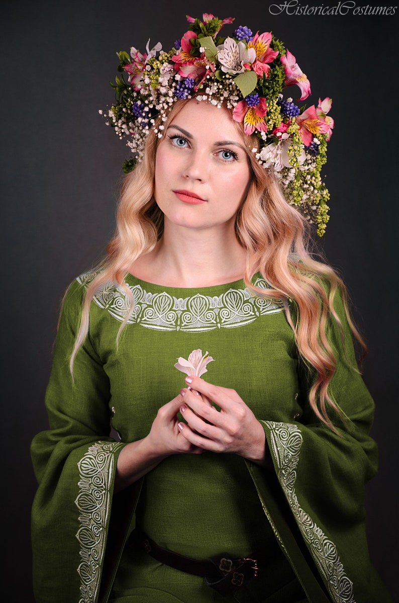 9e7a4bd21e Medieval dress Medieval cosplay Medieval gown Fantasy cosplay Fantasy dress  Historical dress Medieval clothing Fantasy clothing Elven dress