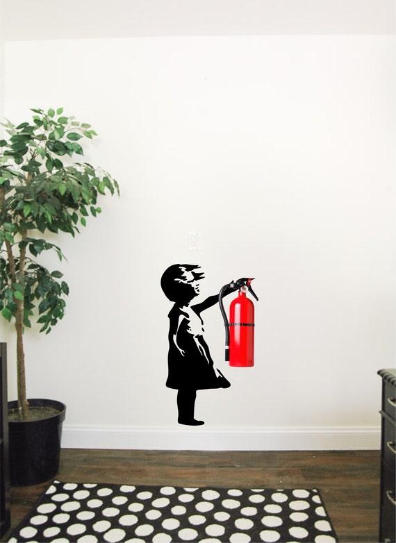 Banksy Madchen Wandtattoo Die Feuerloscher Passt Gut Fur Etsy