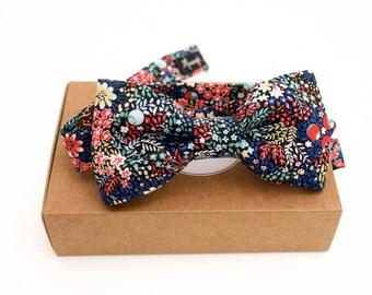 """Noeud papillon en Liberty, """"Elderberry"""" , bleu, rouge, noir, réglagle, pré-noué, noeud papillon homme, accessoire mariage"""