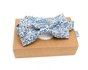 """Noeud papillon en Liberty fleuri, """"Katie et Millie"""" bleu vintage, bleu jeans, pré-noué et réglable, accessoire, mariage"""