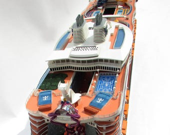"""MS Harmony of the Seas Ocean Cruise Liner Wooden Ship Model 36"""" Scale 1:400"""