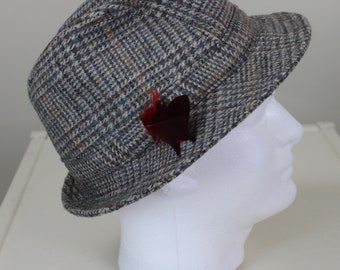71c4cb3549a28 Donegal Tweed Wool Hat Shandon Headwear size 7.25 Woven in Ireland Walking Hat  Irish Excellent Condition