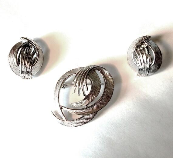 Earring Set Clip On Earrings 1970/'s Brooch Vintage Rhinestone Brooch Pin 1970/'s Pink Rhinestone Brooch Earrings Abstract Brooch