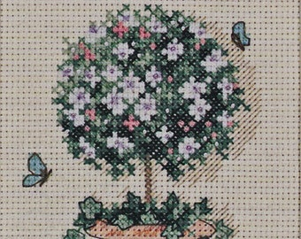 Cross Stitch Kit, DIMENSIONS #6851 UNOPENED Topiary Welcome