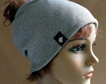 "Beanie hat ""AKU TWIST"" for women"