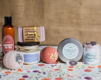 Tea Tree Lavender Luxury Spa Gift Box, Best Gift for Mom Pampering Lavender Gift Set for Woman, Mothers Day Gift for Her