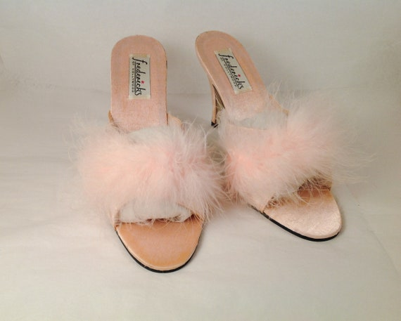 PINK Fredrick's of Hollywood SZ 10 marabou feather