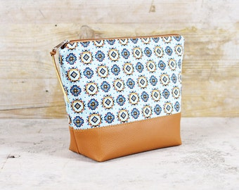 "Cosmetics/culture bag retro pattern ""Malia"""