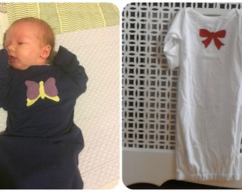 0a87a5483 Artículos similares a Saco de traje de dormir bebé camisa de dormir ...