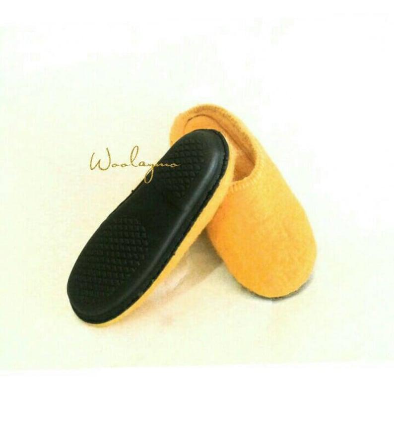 1257e34ed8011 Women felt slippers Ready to ship Felted slippers House shoes Felted home  shoes Womens slippers Felted shoes Felted wool shoes Mules
