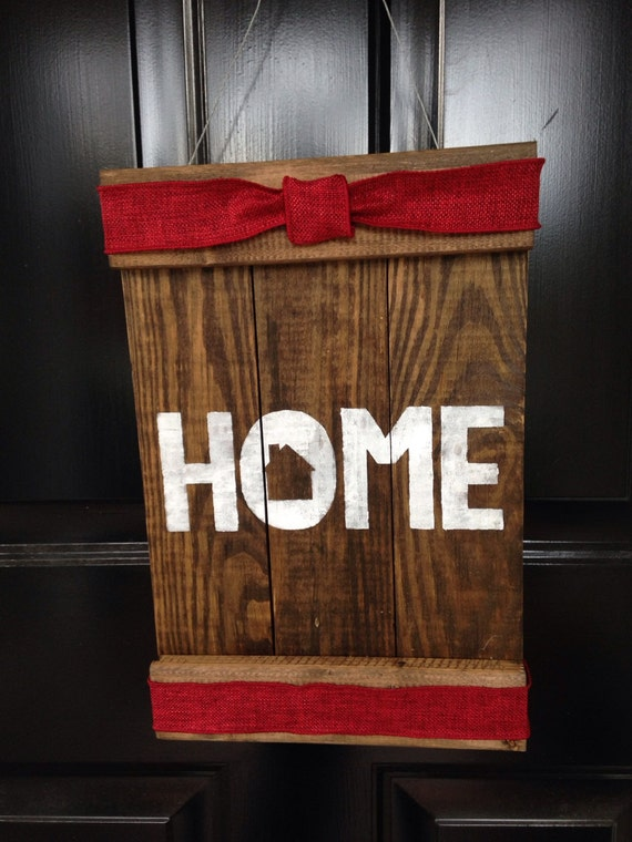 Items similar to Wood Pallet Door Hanger HOME Ribbon Wire ...