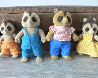 Vintage Little Calico Critters Raccoons Family
