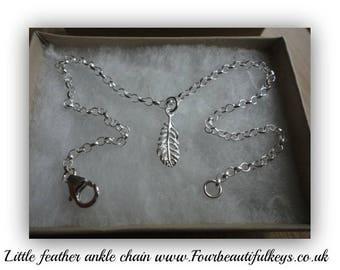 Little feather ankle chain