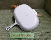Le Creuset Rectangle Oval White Enameled Cast Iron Grill Skillet Made in France Circa Unknown Vintage Near Mint To Mint Condition