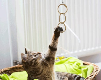 Oh Ring - eco-friendly, all natural cat toy, safe for declawed cats, wand attachment (wand not included)