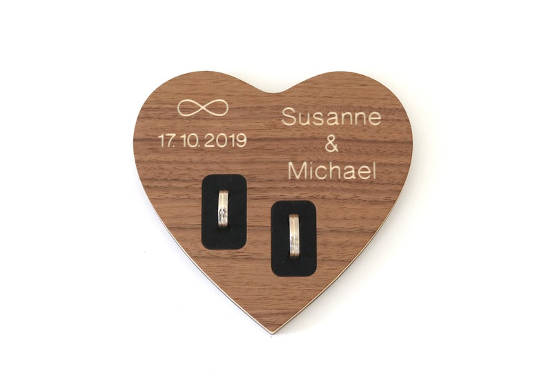 Heart ring cushion made of wood to the wedding with engraving of the names and date ring bearer ring bowl heart shape vintage personalized classy high quality