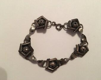 Art Deco Silver Flower Link Bracelet, Floral Design, Handmade and Unique