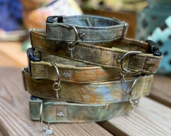Dog Collar Tie Dye Fall, Fall Color Collar For Dogs, Ice Dye Dog Collar, Collar For Dogs, Pet Collars, Earth, Sage Green, Brown and Yellow