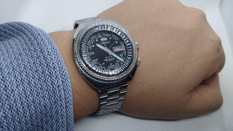 Vintage Orient WORLD DIVER Automatic Watch World Time 21  e1443cd04ec