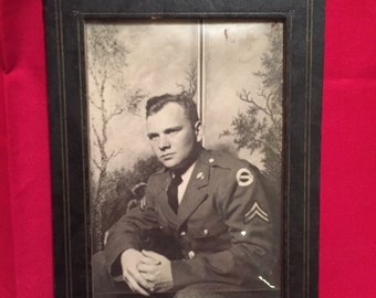 WW2 U.S Army Soldier Photograph in Frame