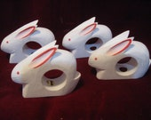 Wooden Set 4 Easter BUNNY Rabbit NAPKIN RINGS Holders White Pink 2.5 quot Dining Table Vintage 1980s Alice Wonderland Party Decoration 2214